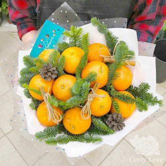 Зимний букет из апельсинов и хвои