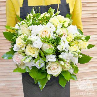 Букет невесты из роз и эустом