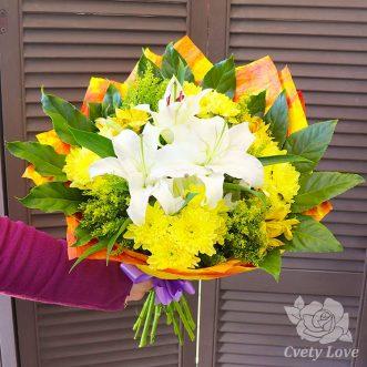 Букет из лилии, хризантем и зелени